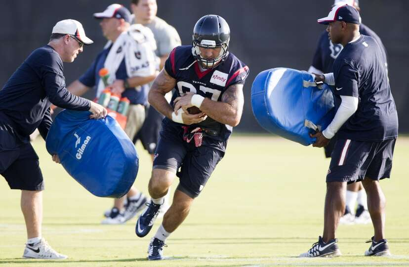 Texans tight end C.J. Fiedorowicz (87) runs with the football after making a catch.