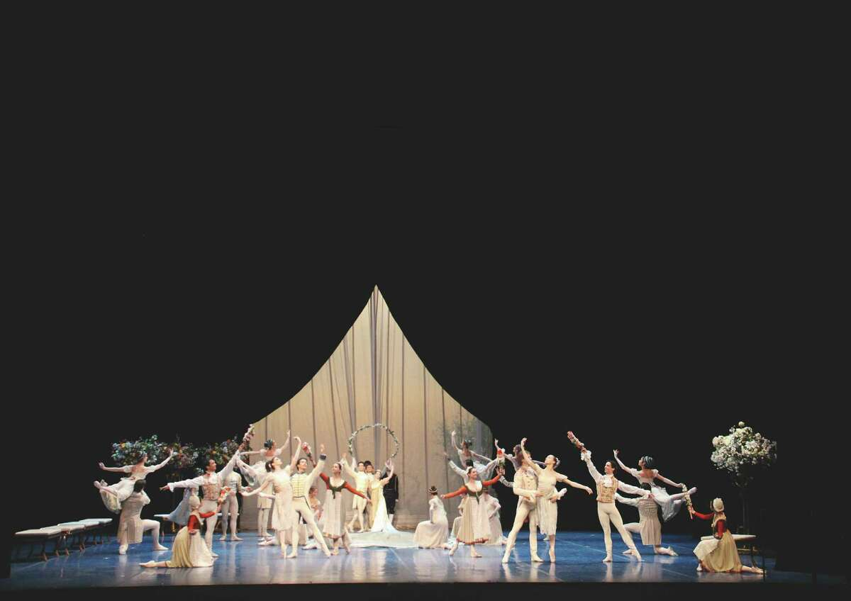 """Houston Ballet opens the curtain on its season with the company premiere of John Neumeier's comical """"A Midsummer Night's Dream."""""""