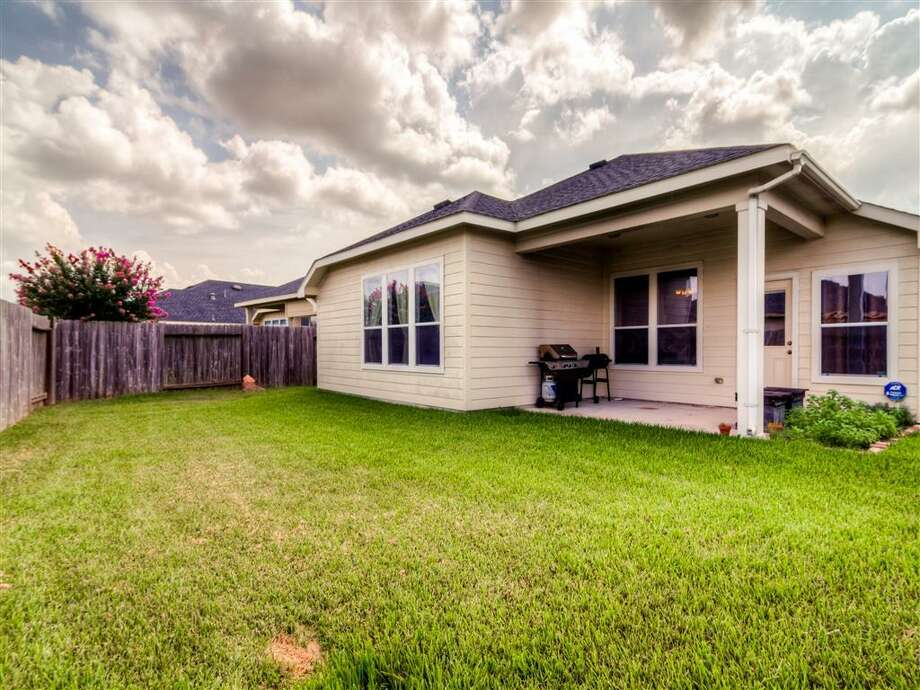730 Shenandoah: This 2006 home in Rosenberg has 3 bedrooms, 2 bathrooms, 2,113 square feet, and is listed for $180,000. Photo: Houston Association Of Realtors