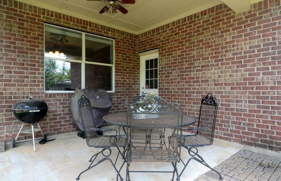 2511 Old River: This 2005 home in Richmond has 3 bedrooms, 2 bathrooms, 1,842 square feet, and is listed for $179,000. Photo: Houston Association Of Realtors