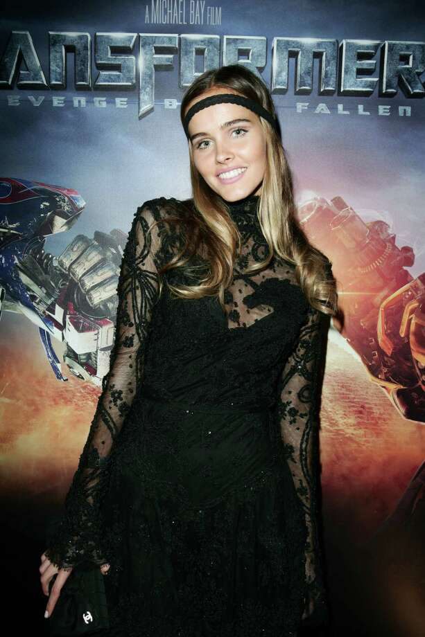 Isabel Lucas as Alice the Pretender DecepticonTransformers: Revenge of the Fallen Photo: Gaye Gerard, Getty Images  / 2009 Getty Images