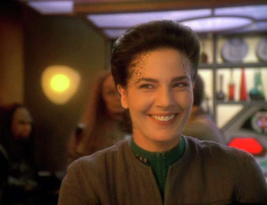 Terry Farrell as Jadzia Dax Star Trek: Deep Space Nine Photo: CBS Photo Archive, Getty Images  / 1998 CBS Photo Archive
