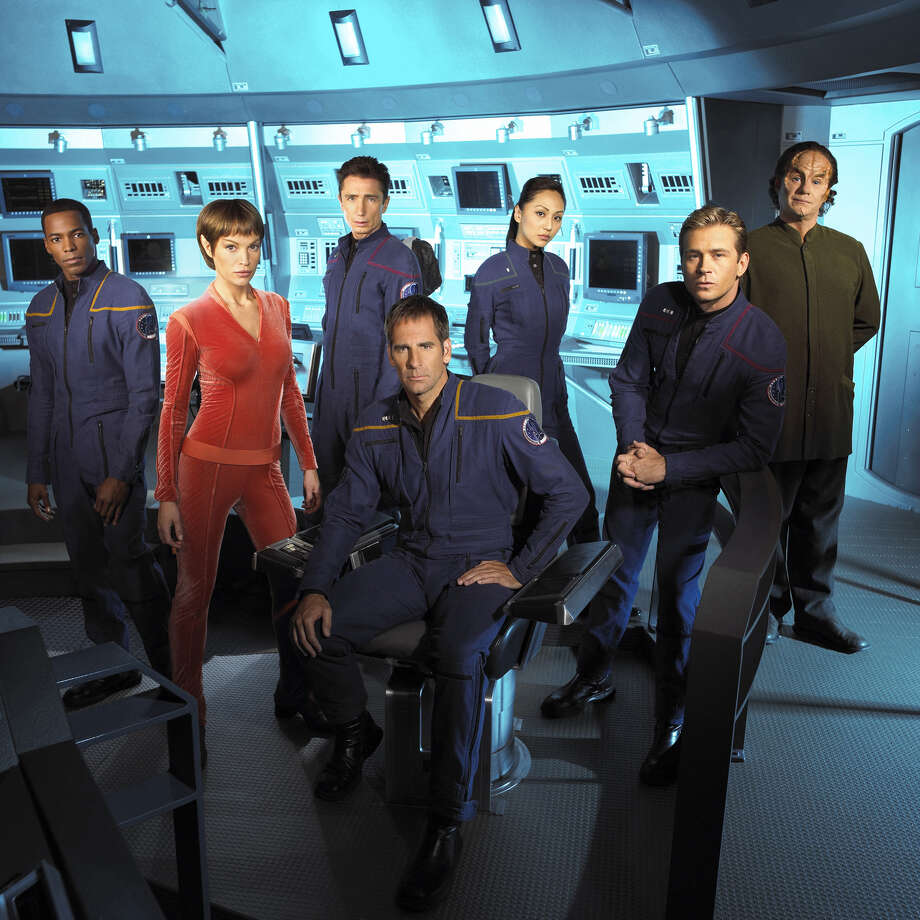 Jolene Blalock as T'Pol, (second from right)Star Trek: Enterprise Photo: CBS Photo Archive, Getty Images  / 2003 CBS WORLDWIDE INC.