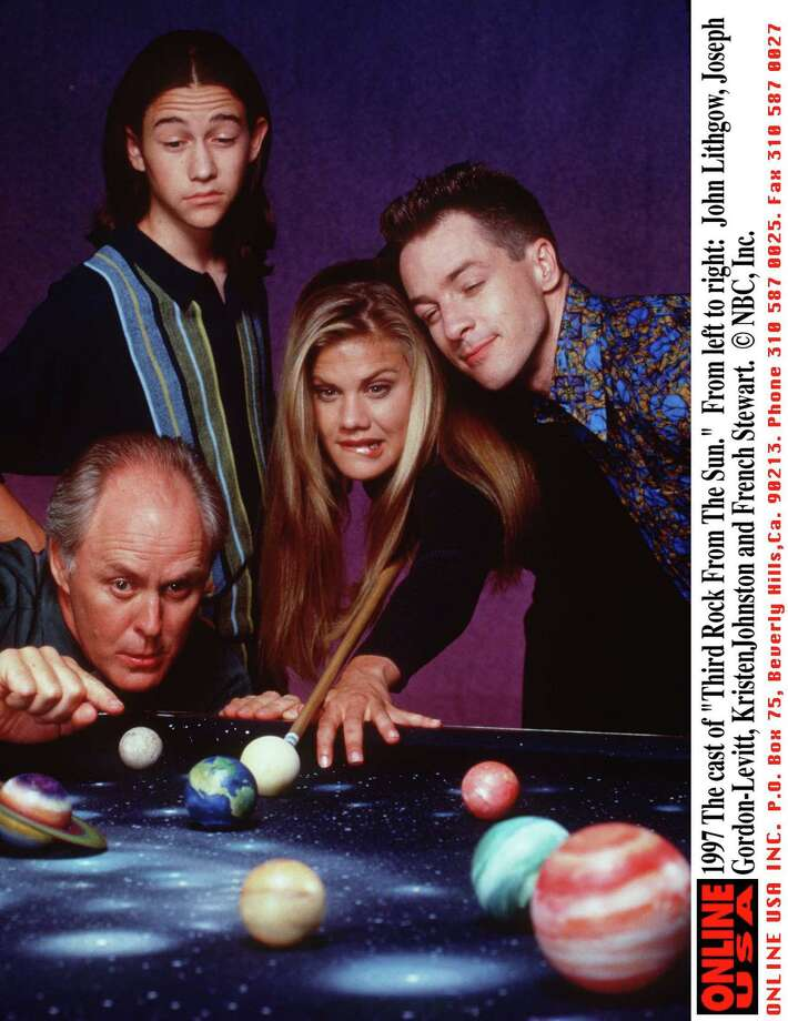 Kristen Johnston as Sally Solomon, (center)Third Rock From The Sun Photo: Getty Images, Getty Images  / Hulton Archive