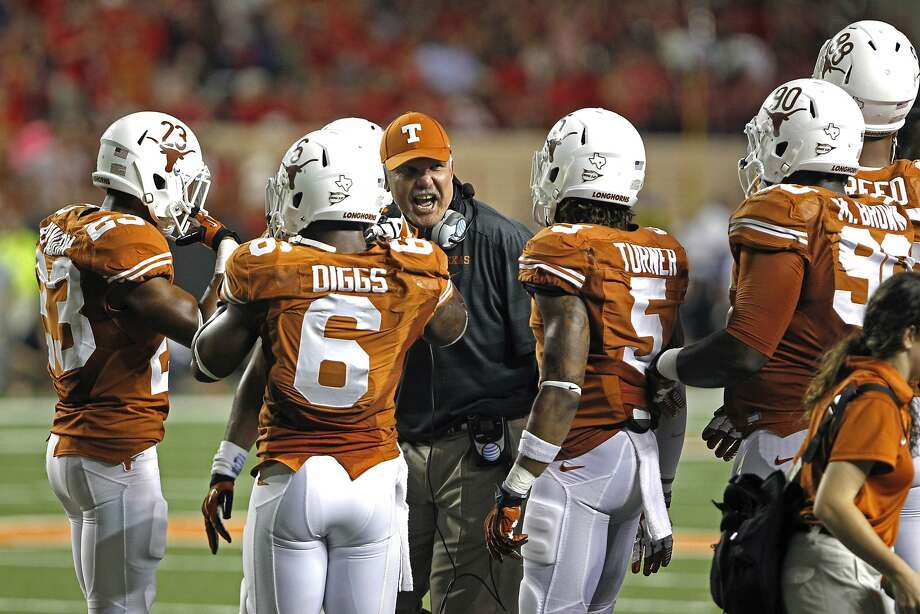Duane Atkins coached at Texas during Mack Brown's head coaching reign. Photo: Michael Thomas, Associated Press