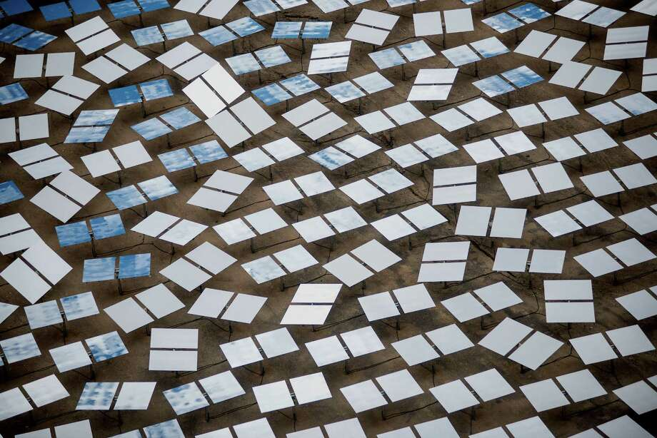 Solar panels at the Ivanpah plant. The 392-megawatt plant was developed by Google, NRG and Bright Source. Photo: Jacob Kepler, Bloomberg / © 2014 Bloomberg Finance LP