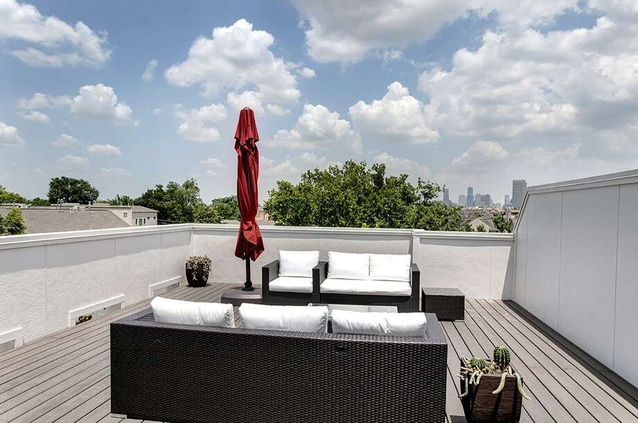 416 Knox: This 2013 home in Houston has 3-4 bedrooms, 3.5 bathrooms, 3,206 square feet, and is listed for $940,000. Open house: August 10, 2014 from 2 p.m. to 4 p.m. Photo: Houston Association Of Realtors
