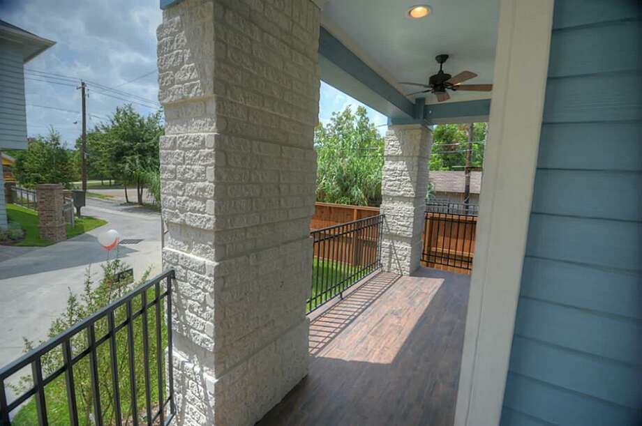 550 Oxford: This 2014 home in Houston has 3 bedrooms, 3.5 bathrooms, 2,362 square feet, and is listed for $669,000. Open house: August 10, 2014 from 3 p.m. to 5 p.m. Photo: Houston Association Of Realtors