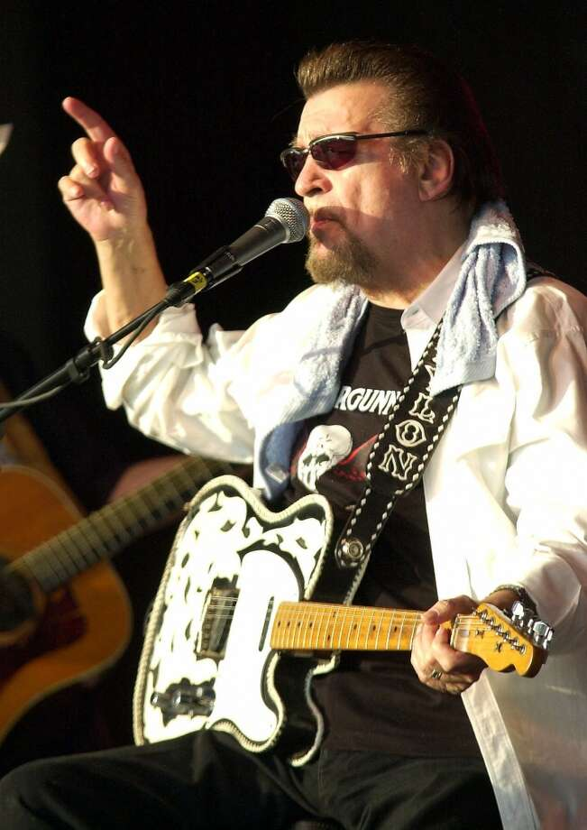 Waylon Jennings is shown performing at a benefit show at the Dick Brooks Farm in Woodruff, S.C. in this Aug. 18, 2001, file photo. Photo: TIM KIMZEY, AP