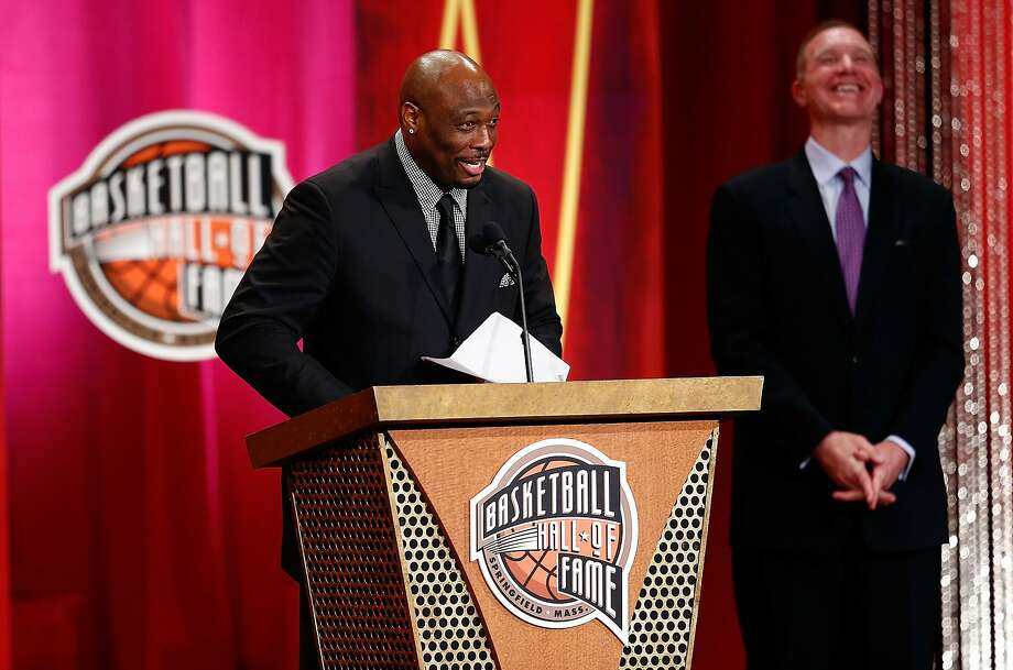Mitch Richmond, presented by ex-Warriors teammate Chris Mullin, is among 10 inductees to the Basketball Hall of Fame. Photo: Jim Rogash, Getty Images
