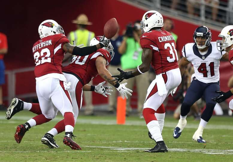 Arizona Cardinals free safety Tony Jefferson (22) tips a pass by Houston Texans quarterback Ryan Fit