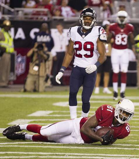 Arizona Cardinals wide receiver Dan Buckner (81) grabs a 12-yard touchdown reception in front of Hou