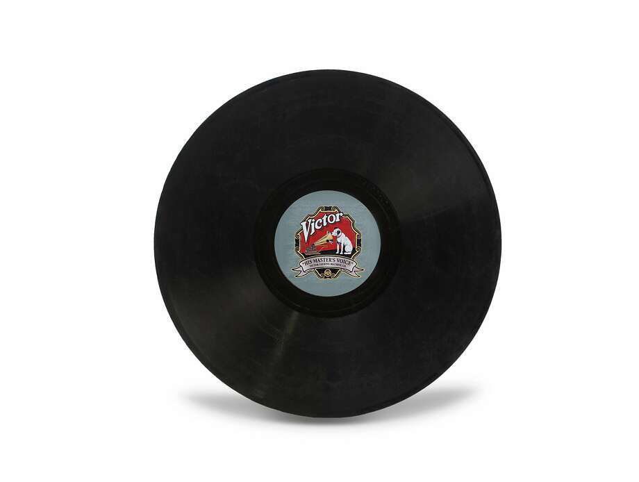 Still life view of a 78 rpm record against a white background, 2012.  Photo: Tom Kelley/Getty Images, Getty Images