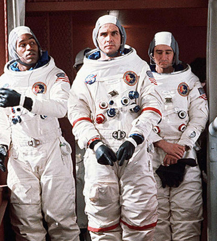 """O.J. Simpson, James Brolin and Sam Waterston in """"Capricorn One,"""" about a fake space mission. Photo: Warner Bros. 1977 / Warner Bros. 1977 / / ONLINE_YES"""