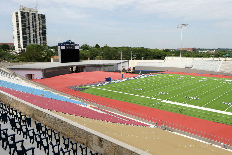 Renovations are wrapping up on the north end of Alamo Stadium on July 16, 2014. Photo: Marvin Pfeiffer, San Antonio Express-News / EN Communities 2014