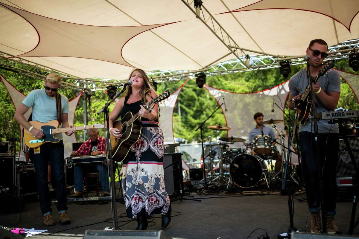 Dream folk band Preacher's Wife, of Everett, Wash., performs on the third and final day of the 14th annual Summer Meltdown, the