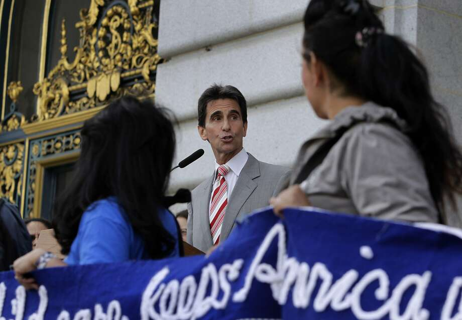 State Sen. Mark Leno introduced the bill requiring antitheft kill switches on cell phones. Photo: Paul Chinn, The Chronicle