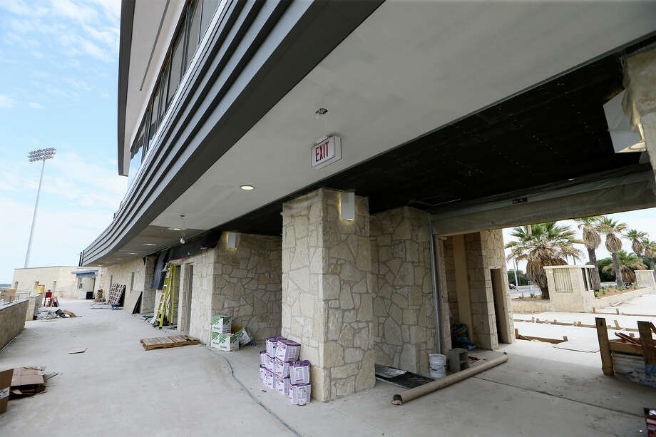 Renovations are wrapping up on the press box and entrance of Alamo Stadium on July 16, 2014. Photo: Marvin Pfeiffer, San Antonio Express-News / EN Communities 2014