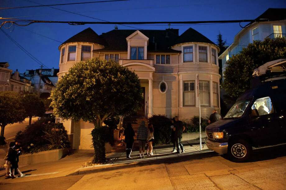 Outside the Mrs. Doubtfire house on August 11, 2014 in San Francisco, CA. Robin Williams was found dead this morning in his Tiburon home. Photo: Craig Hudson / The Chronicle / ONLINE_YES