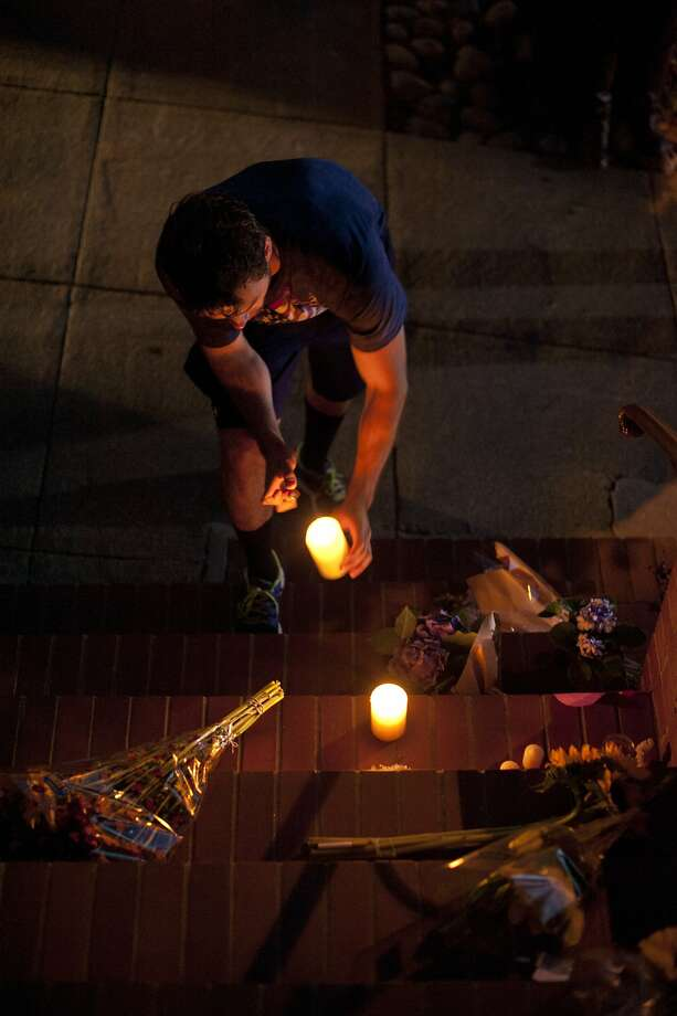 Jordan Ansell pays respects to comedian and actor Robin Williams outside the Mrs. Doubtfire house on August 11, 2014 in San Francisco, CA. Robin Williams was found dead this morning in his Tiburon home. Photo: Craig Hudson, The Chronicle