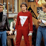 "This is the first appearance of the alien Mork from Ork (Robin Wiliams, center), which earned him and Williams his own spin-off series, ""Mork & Mindy"". Mork came to Earth looking for someone to study and picked Richie (Ron Howard, right). Henry Winkler (Fonzie) also starred."