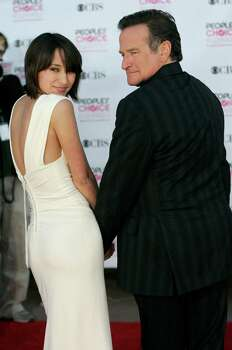 Zelda Williams and her father, Robin Williams pose for photographers as they arrive at the 33rd Annual People's Choice Awards on Tuesday, Jan. 9, 2007, in Los Angeles. Photo: Dan Steinberg, Wire Photo / STEINBERG