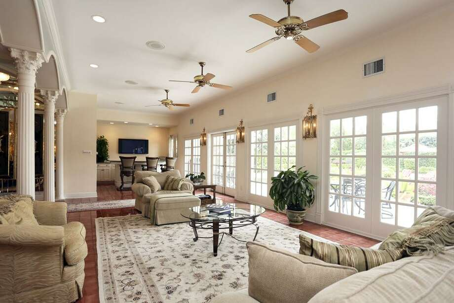 6339 Buffalo Speedway: This 1981 home in Houston has 4-5 bedrooms, 8 bathrooms, 9,230 square feet, and is listed for $2,949,000. Photo: Houston Association Of Realtors