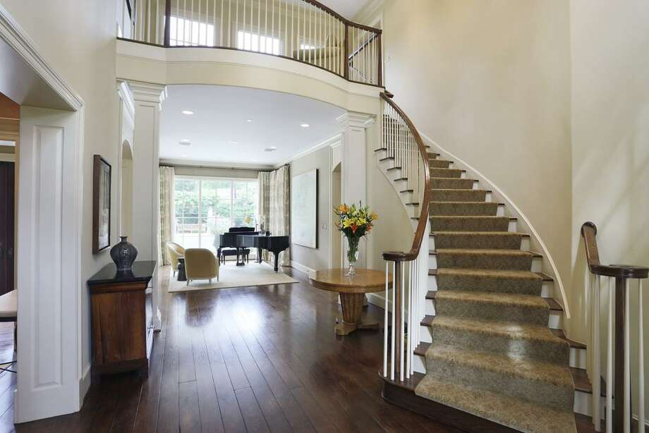 265 Bryn Mawr: This 2005 home in Houston has 5 bedrooms, 5 full and 3 half bathrooms, 7,412 square feet, and is listed for $2,995,000. Photo: Houston Association Of Realtors