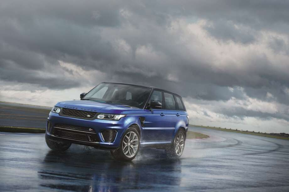 The 2015 Range Rover Sport SVR  Photo: Newspress USA