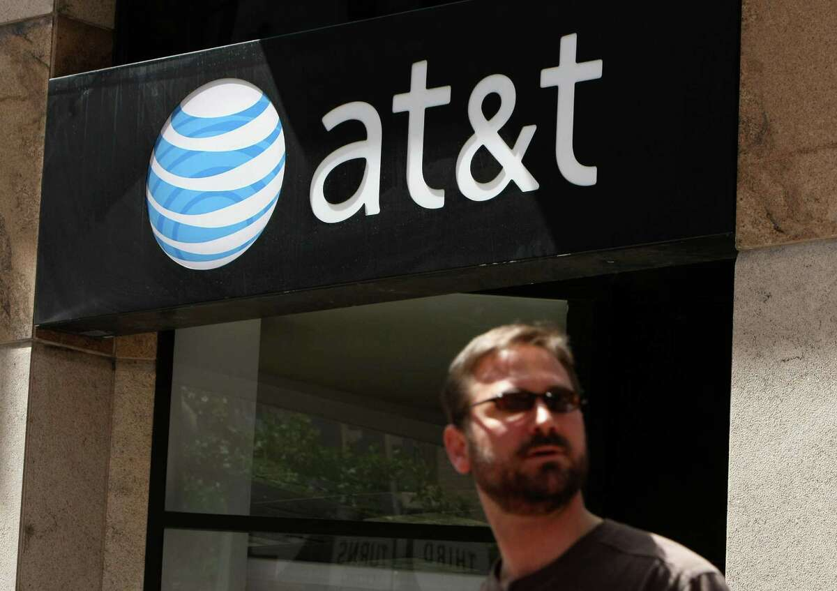 8. AT&T Wireless One-year retail sales growth: 10.2 percentU.S. retail sales (2013): $8.3 billionTotal U.S. stores (2013): 2,179One-year store growth: -5.3 percentAT&T's subscriber count jumped 3.2 percent last year, according to the report. Its total revenue totaled more than $128 billion last year.