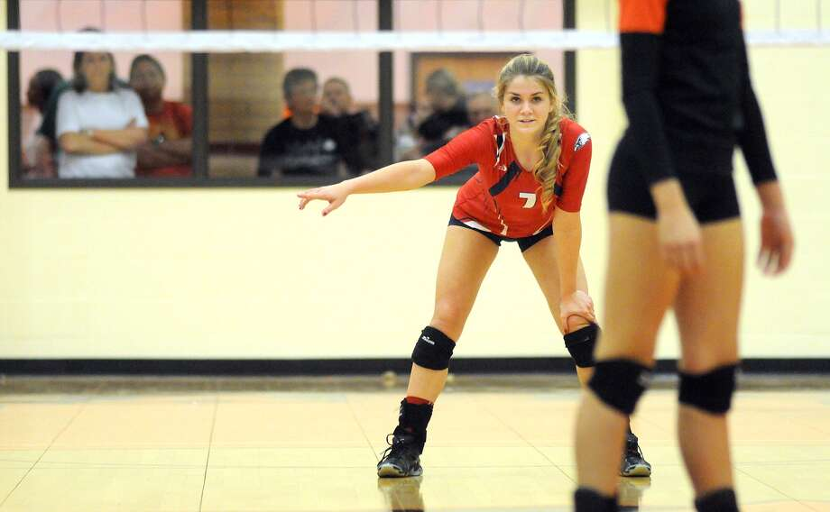 Dawson outside hitter Amberly Jeane has set her sights on the frozen reaches of the north, committing to play volleyball in college for the University of Alaska-Fairbanks. Photo: Jerry Baker, Freelance