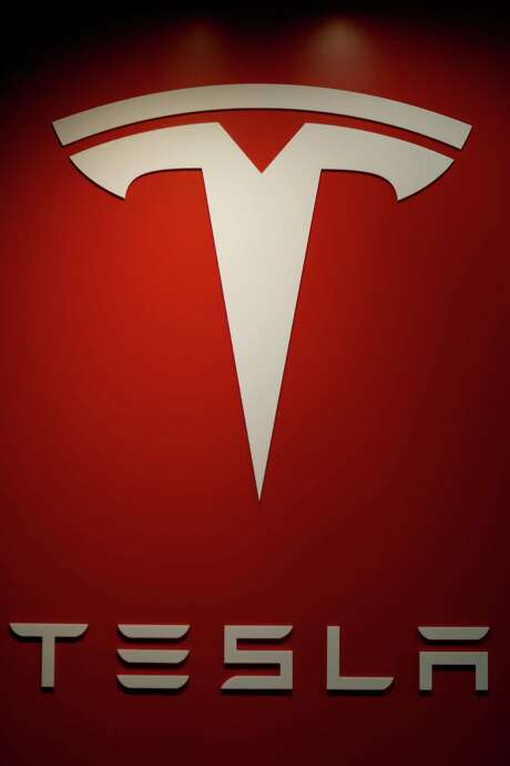 Tesla says its new battery factory will employ 6,500 workers. Photo: Joe Raedle, Staff / 2014 Getty Images