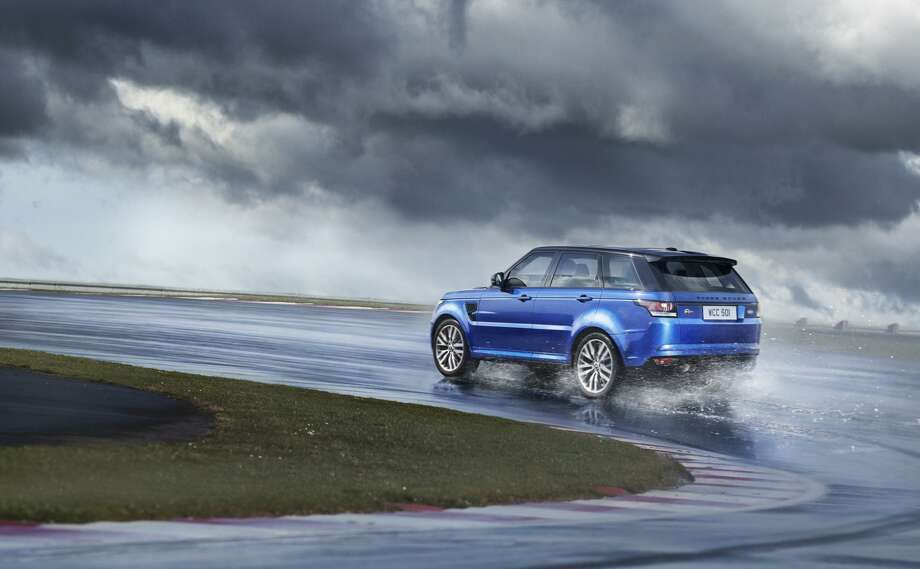 The new 2015 Range Rover Sport SVR Photo: Newspress USA