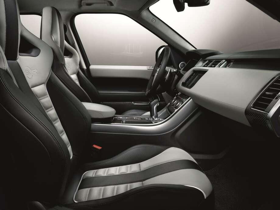 The new 2015 Range Rover Sport SVR Photo: Newspress USA