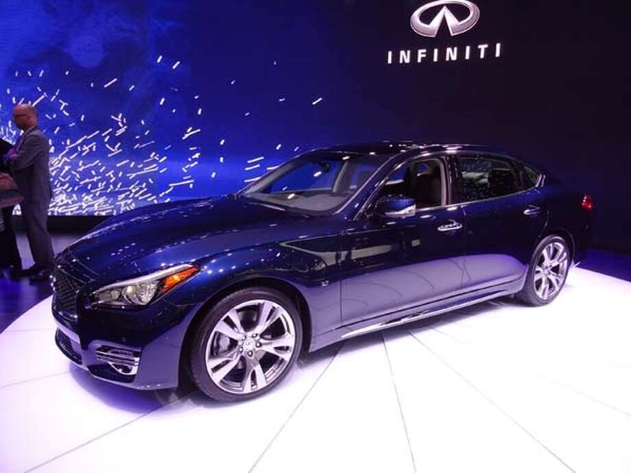 The 2015 Infiniti Q70L Photo: Kelley Blue Book