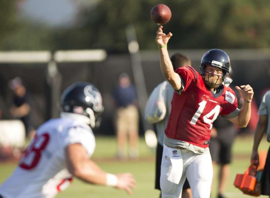 Texans quarterback Ryan Fitzpatrick throws a pass to tight end Garrett Graham. Photo: Brett Coomer, Houston Chronicle