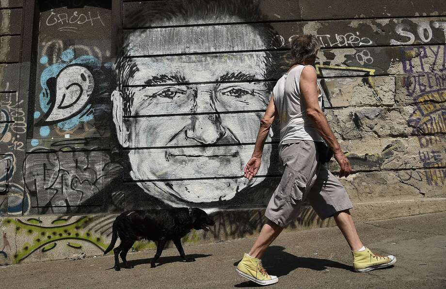Robin Williams was loved by millions, including street artists in downtown Belgrade. Photo: Andrej Isakovic, AFP/Getty Images