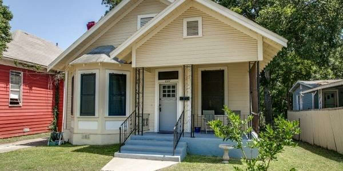 622 DELMAR ST San Antonio, TX 78210 3 BEDS 1 BATHS 1,309 SQFT $78,000 MLS ID 1067484 This well-cared for vintage home is located in Denver Heights. It was built in 1918 and has plenty of old world charm with some modern updates. Minutes from Downtown and Southtown.