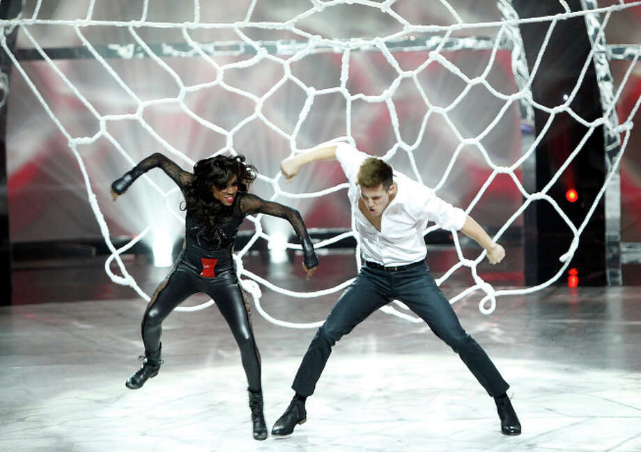 """SO YOU THINK YOU CAN DANCE: Top 8 contestant Casey Askew (R) and all-star Comfort Fedoke perform a Hip-Hop routine to """"Xscape'"""" choreographed by Christopher """"Pharside"""" Jennings & Krystal """"Phoenix"""" Meraz on Wednesday, August 13 (8:00-10:00 PM ET/PT) on FOX. ©2014 FOX Broadcasting Co. Cr: Adam Rose / 1"""