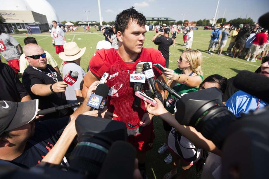 Atlanta Falcons offensive tackle Jake Matthews (70) speaks to the media following a joint practice. Photo: Brett Coomer, Houston Chronicle