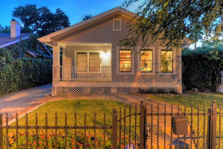 537 Granberry: This 1920 home in Houston has 2 bedrooms, 2 bathrooms, 1,374 square feet, and is listed for $639,000. Open house: August 14, 2014 from 5 p.m. to 7 p.m. Photo: Houston Association Of Realtors
