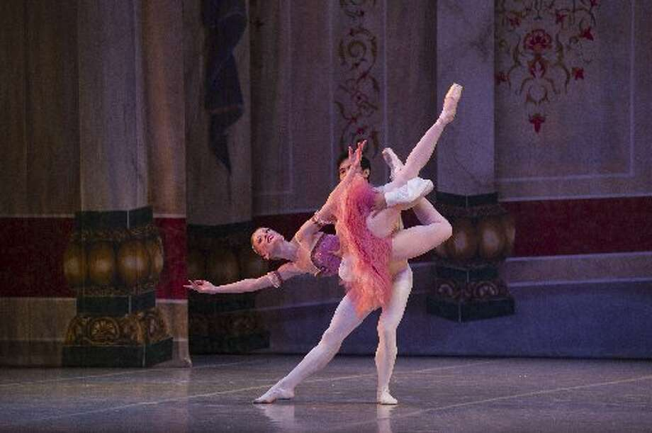 "Principal dancers Sarah Pautz and Jayson Pescasio appear in Ballet San Antonio's ""The Nutcracker."" Photo: Courtesy Photo"