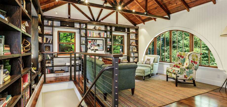 The Mill Valley home includes a detached cottage. Photo: Robert Jordan Photography / ONLINE_CHECK