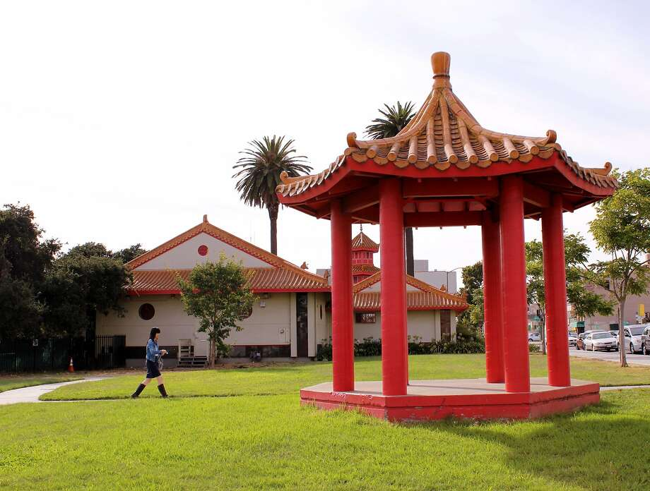 1. Chinese Garden Park Photo: Stephanie Wright Hession, Special To The Chronicle