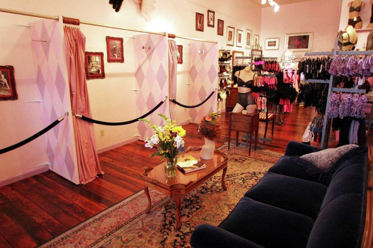 Dollhouse Bettie lingerie shop in San Francisco. www.dollhousebettie.com