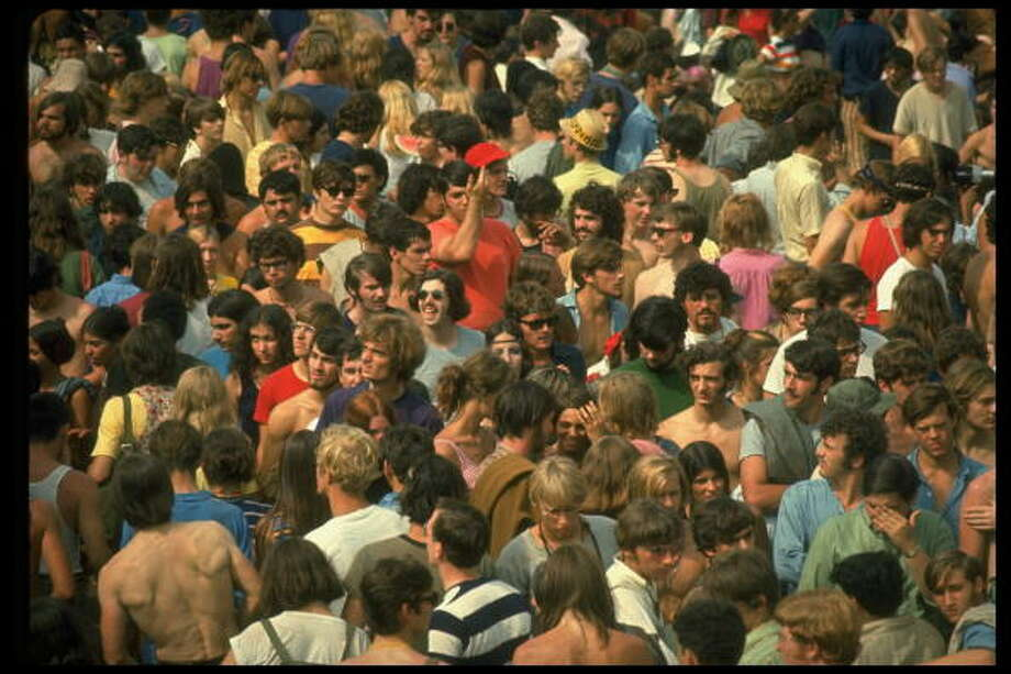 NEW YORK, UNITED STATES - AUGUST 1969:  Overall of the huge crowd, during the Woodstock Music & Art Fair. Photo: John Dominis, Getty Images / Time & Life Pictures