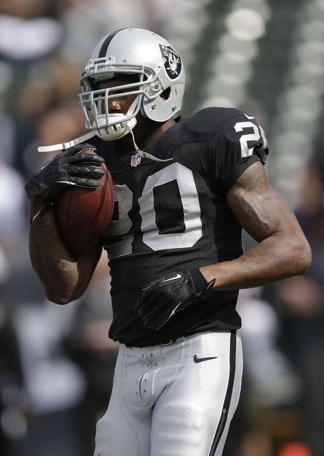 Darren McFadden - 75/1  2013 stats: 10 games, 379 yards rushing on 114 attempts (3.3 average), 5 total TDs. Photo: Marcio Jose Sanchez, Associated Press