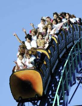 Kimono-clad Japanese women ride on a roller coaster at the Toshimaen amusement park in Tokyo, Japan, on January 10, 2011. Photo: YOSHIKAZU TSUNO, AFP/Getty Images / 2011 AFP
