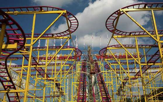 The Wilde Maus roller coaster at the Munich Oktoberfest in 2007. Photo: Johannes Simon, Getty Images / 2007 Getty Images