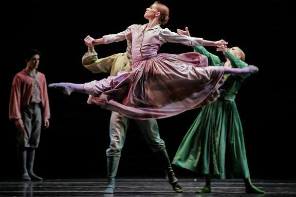 "Kelly Myernick, who has retired from Houston Ballet, was a special force in earthy and athletic dances such as Christopher Bruce's ""Sergeant Early's Dream."""